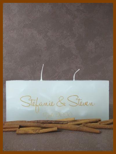 platte vierkante trouwkaars huwelijkskaars met twee wieken en gouden tekst