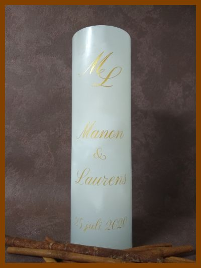 hoge ronde trouwkaars met monogram